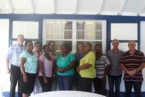 On the picture the participating MR-council members of the schools on St. Eustatius with trainer Marco Sikkel at the extreme left and trainer Alphons de Lange at the extreme right. (Photo RCN)